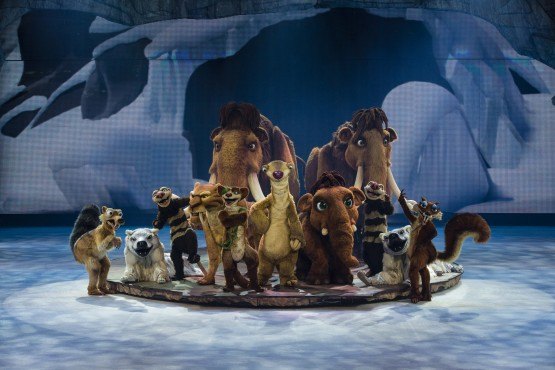 The cast of characters in Ice Age Live!